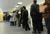 Ilustrační foto - Na Finančním úřadě pro Prahu 9 odevzdávali lidé 31. března, tedy na poslední chvíli, svá daňová přiznání.