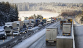 Silnice v ČR jsou s opatrností sjízdné, místy mohou klouzat