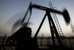 Ropa, těžba, ropné pole - ilustrační foto.