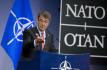 Americký ministr obrany Ash Carter hovoří během tiskové konference na zasedání ministrů obrany zemí NATO v Bruselu.