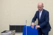 Hned po volebním víkendu se sejde Sobotkova vláda