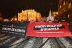V Praze se koná setkání odpůrců migrace, v plánu jsou protesty - videopřenosy