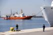 V tisku vyšly fotky migrantů z lodě Aquarius s logem Benettonu