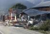 Při sérii zemětřesení na indonéských ostrovech zemřelo 13 lidí