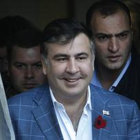 Odcházející gruzínský prezident Michail Saakašvili u voleb svého nástupce.