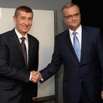 Ilustrační foto - Ministr financí Andrej Babiš (vlevo) a bývalý ministr financí Miroslav Kalousek byli 29. června v Praze hosty diskusního pořadu České televize Otázky Václava Moravce.