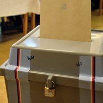 Volby, volební urny, hlasování - ilustrační foto.