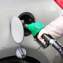 Ilustrační foto - Čerpací stanice, tankování benzinu - ilustrační foto.