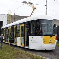 Tramvaj typu EVO1 byla slavnostně pokřtěna 9. června v areálu Opravny tramvají v Hostivaři. Tramvaj EVO1 se stane první jednočlánkovou, kompletně nízkopodlažní tramvají, která bude jezdit v České republice. Pokud projde náročnými zkouškami, sveze první cestující v Praze už v říjnu.