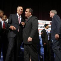 Ilustrační foto - Veřejné setkání 14 republikánských uchazečů o Bílý dům v Manchesteru ve státě New Hampshire.