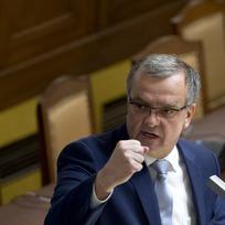 Předseda TOP 09 Miroslav Kalousek na jednání Poslanecké sněmovny.