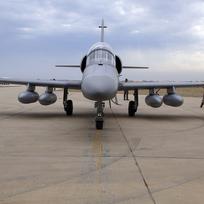 Jeden z letounů L-159, které Irák získal z České rebubliky, na letecké základně Balad, asi 75 kilometrů severně od Bagdádu.