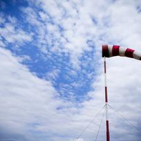 Větrný pytel, silný vítr - ilustrační foto.