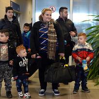 Na Letiště Václava Havla v Praze přiletěla 5. února odpoledne druhá skupina křesťanských uprchlíků z Iráku. Jde o čtyři rodiny, které mají 17 členů. Mezi nimi je devět dětí. Do Česka by v příštích týdnech mělo přesídlit celkem 153 uprchlíků.
