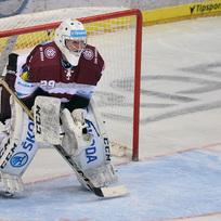 Utkání 43. kola hokejové extraligy HC Sparta Praha - HC Energie Karlovy Vary 5. února v Praze. Brankář Sparty Danny Taylor.