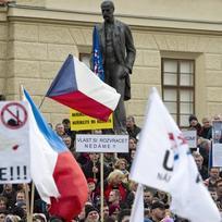 Na Hradčanském náměstí v Praze se 6. února uskutečnila demonstrace Hrozba islamizace ČR pořádaná Blokem proti islámu a hnutím Úsvit, která je součástí protestů organizovaných hnutím Pegida.