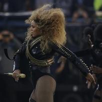 Beyoncé vystoupila na finále ligy amerického fotbalu