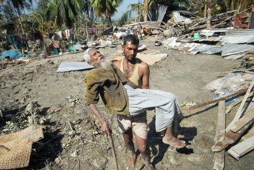 Cyklon Sidr, který ve čtvrtek zasáhl Bangladéš si vyžádal nejmémě 3000 obětí.