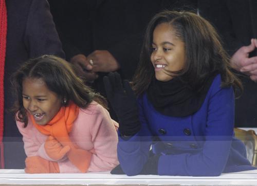 Dcery amerického prezidenta Baracka Obamy Malia (vpravo) a Sasha.