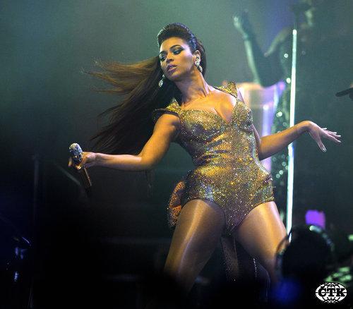 Beyonce u velikoj frci!!! 1241128752_Beyonce