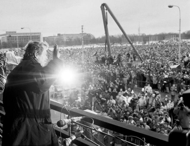 Havel vor Publikum auf dem Letna