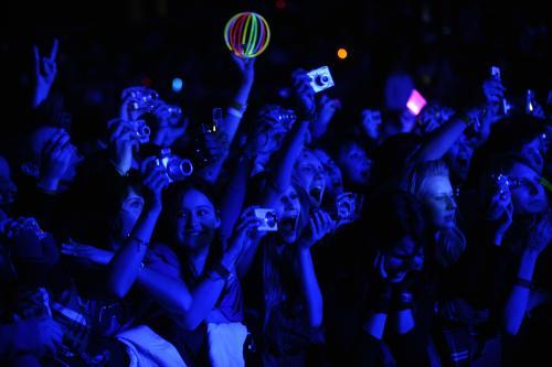 Fanoušci na koncertě německé skupiny Tokio Hotel, která vystoupila 15. března v pražské Tesla Areně.