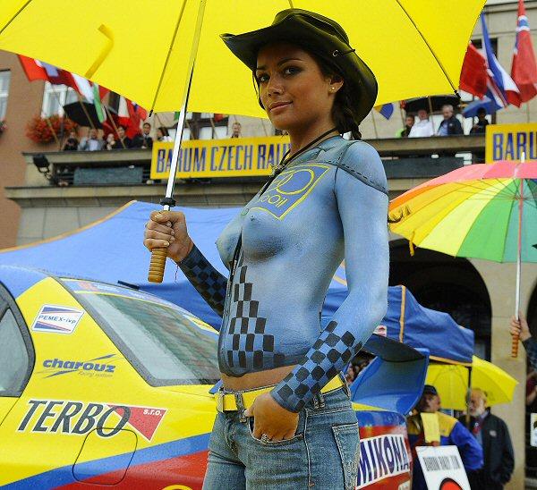 Barum Rally: Polonahá Modelka Na Startu Barum Rally