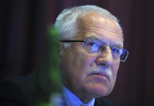 Prezident  republiky Václav Klaus moderoval 20. října v Praze seminář Centra pro  ekonomiku a politiku na téma Fotovoltaika a růst cen elektřiny - hrozba  pro český průmysl.
