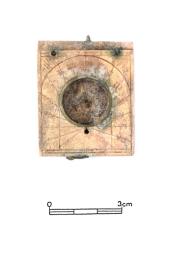 Archeologický výzkum zříceniny hradu v Brandýse nad Orlicí přinesl několik zajímavých nálezů. Zajímavostí je část kapesních skládacích slunečních hodin (na snímku).