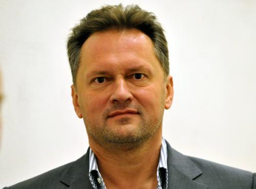 ( Miloš Červenka )
