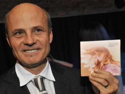 Textař Michal Horáček pokřtil 18. listopadu v Praze své nové album Ohrožený druh.