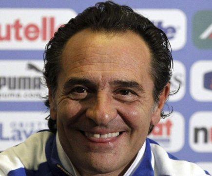 Trenér Cesare Prandelli.