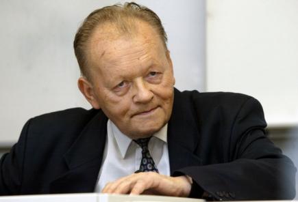 Český chemik Antonín Holý (na archivním snímku z roku 2006).