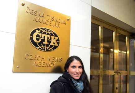Kubánská disidentka Yoani Sánchezová navštívila 27. února redakci ?TK v Praze.