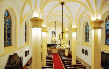 V Liberci probíhá další fáze rekonstrukci kostela sv. Antonína Velikého (na snímku z 23. ledna), na kterou církev dostala dotace z evropských fondů. Přispět ale může i veřejnost. Na další etapu rekonstrukce nejstarší kamenné stavby v krajském městě už se vybralo přes 385.000 korun a nepřispívají jen farníci
