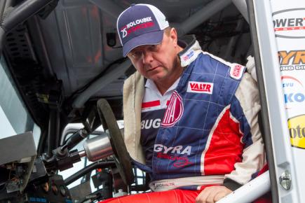 Tisková konference týmu Tatra Buggyra Racing před Rallye Dakar, 14. listopadu v Mostě. Na snímku je pilot Jaroslav Valtr.