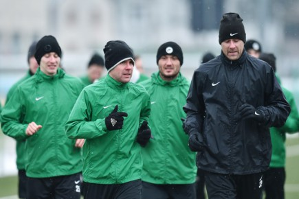 Fotbalisté Jablonce zahájili zimní přípravu 4. ledna v Jablonci nad Nisou. Záložník Tomáš Hübschman (vpředu vlevo) a brankář Michal Špit (vpravo) na tréninku.