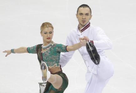 Ruská sportovní dvojice Taťjana Volosožarová a Maxim Traňkov.