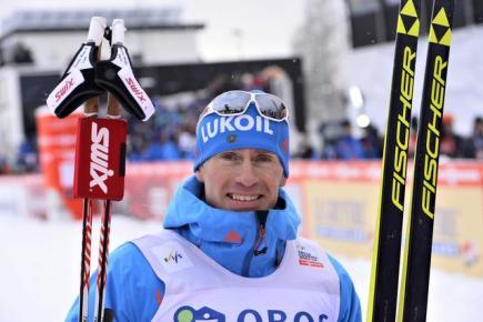 Ruský běžec na lyžích Maxim Vylegžanin vybojoval na klasické desítce první vítězství v sezoně.