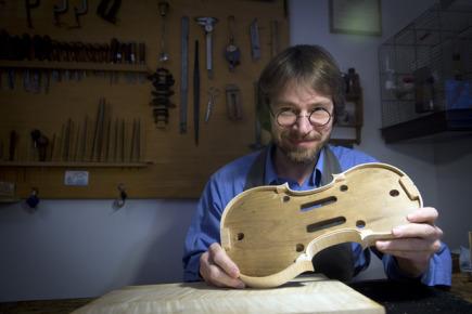 Výrobce prvotřídních smyčcových nástrojů Jan Baptista Špidlen (na snímku z 12. února 2016).