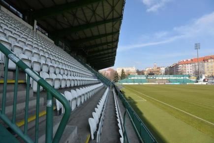 Stadion Ďolíček v pražských Vršovicích, kde hrají své domácí zápasy fotbalisté klubu Bohemians Praha 1905. Snímek ze 14. března.