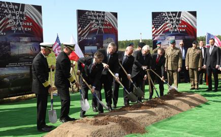 Slavnostní zahájení stavby americké protiraketové základny v severopolském Redzikowu.