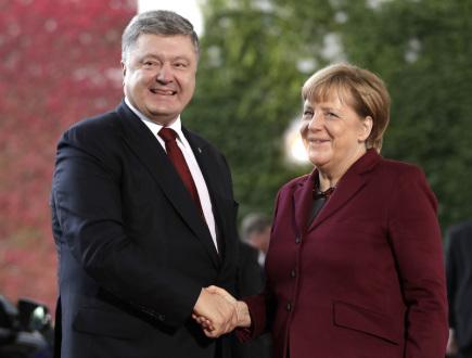 Německá kancléřka Angela Merkelová a ukrajinský prezident Petro Porošenko.