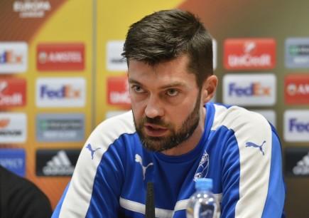 Brankář Viktorie Plzeň Matúš Kozáčik vystoupil 19. října v Plzni na tiskové konferenci klubu před utkáním fotbalové Evropské ligy s Astrou Giurgiu.