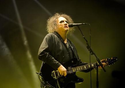 Britská skupina The Cure vystoupila 22. října v Praze. Na snímku je zpěvák a kytarista Robert Smith.