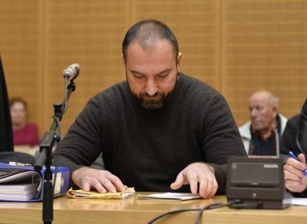 Jeden z obžalovaných Martin Hrdlička u soudu ve Weidenu, který se 1. prosince zabýval případem trojice Čechů. Jsou obžalovaní za násilné loupežné přepadení a těžké ublížení na zdraví, kterých se v bavorském městě dopustili loni v září.