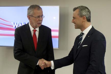 Kandidáti na rakouského prezidenta - zleva Alexander Van der Bellen a Norbert Hofer.