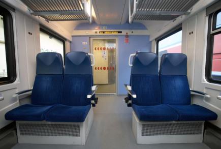 Regionální organizátor Pražské integrované dopravy (RoPID) představil 2. prosince v Praze patrový vůz pro posilové příměstské vlaky.