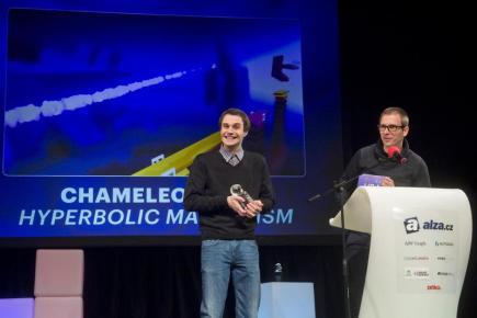 Slavnostní předávání cen Česká hra roku 2016 se uskutečnilo 10. února v Praze. V kategorii Nejlepší herní design zvítězila hra Chameleon Run od týmu Hyperbolic Magnetism. Ocenění převzali Vladimír Hrinčár (vlevo) a Ján Ilavský. Tato hra zvítězila i v kategorii Mobilní hra roku.