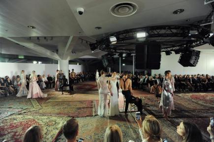 Týden módy Mercedes-Benz Prague Fashion Week začal 18. března v Praze. V rámci charitativního programu pro Nadaci Terezy Maxové byly představeny modely italského designéra Francesca Scognamiglia.